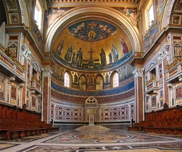 Interiör av Lateranbasilikan