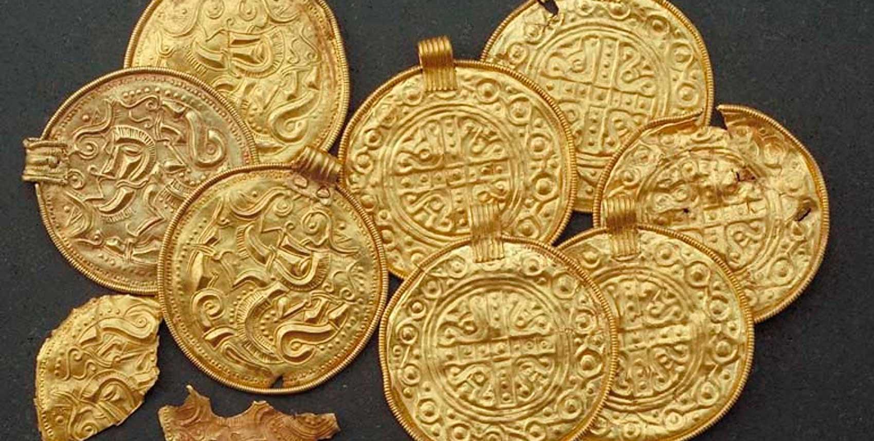 Brakteater i guld
